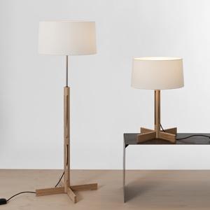 FAD houten staande lamp van Santa & Cole